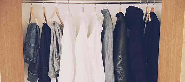 armario al deshacerse de ropa