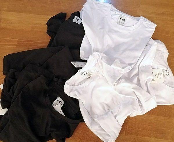 camisetas negras y blancas