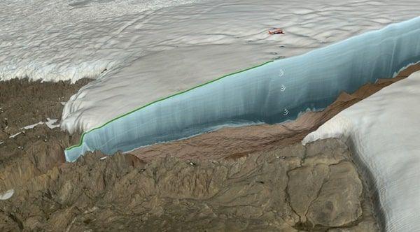 cráter bajo el hielo