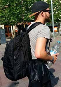 con la mochila